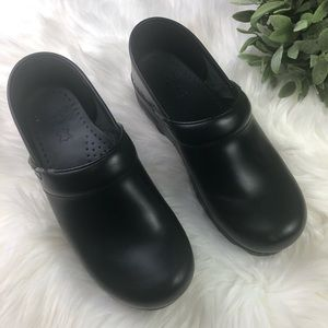 Danskos Black Clogs EUC - 38